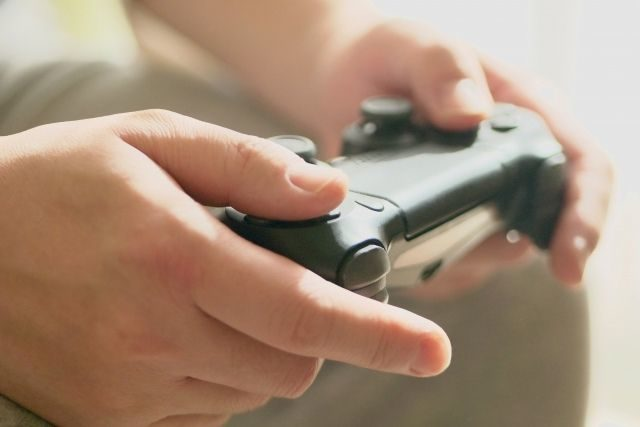 テレビゲームで遊ぶ
